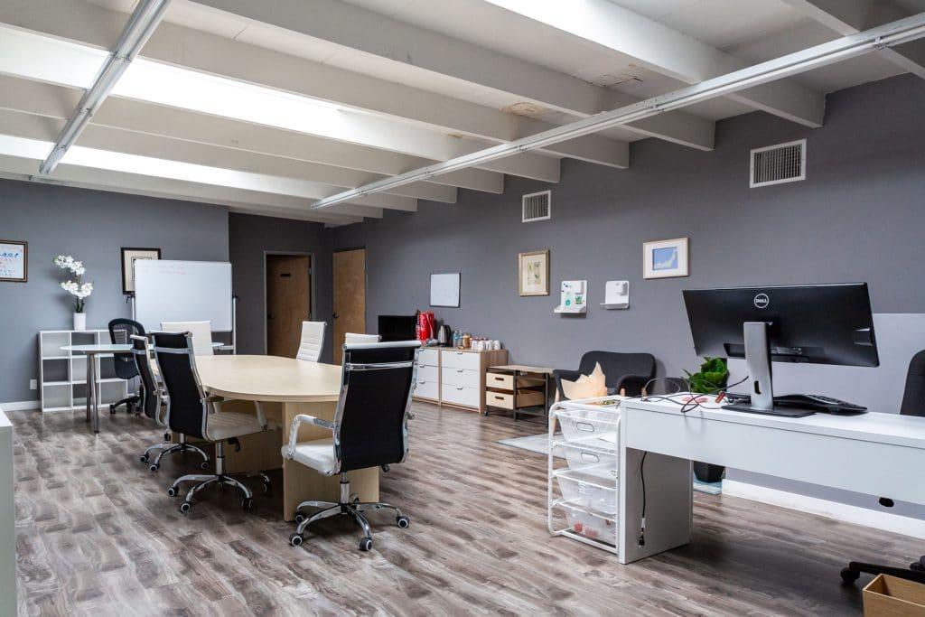 diseños modernos para tu oficina reformada en Madrid