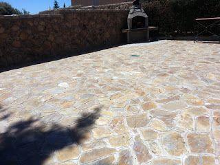 suelo exterior de piedra