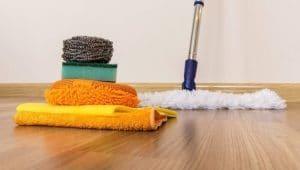 Cómo limpiar suelos de madera para que brillen