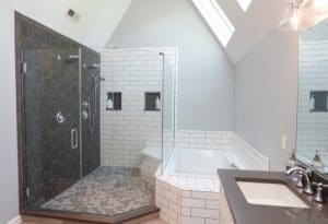 Consejos para remodelar la ducha de su baño sin preocupaciones