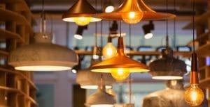 Lampadari e plafoniere: come sceglierle?