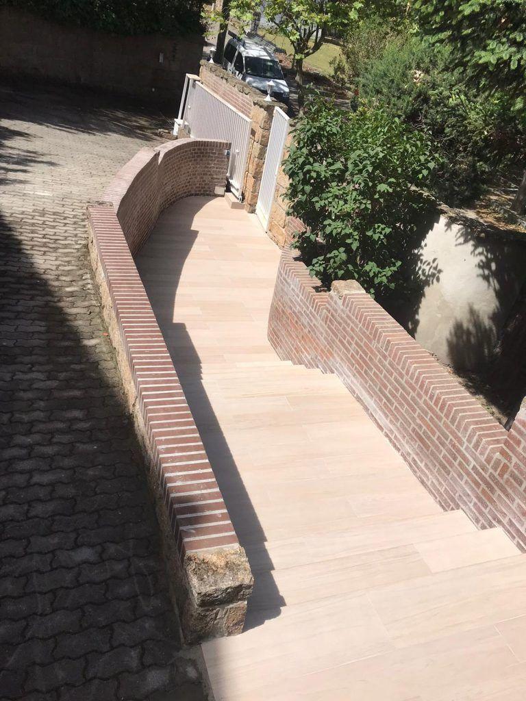 escalera de jardin reformada