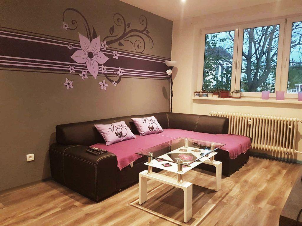 Salon rosa pintado en Manzanares el Real